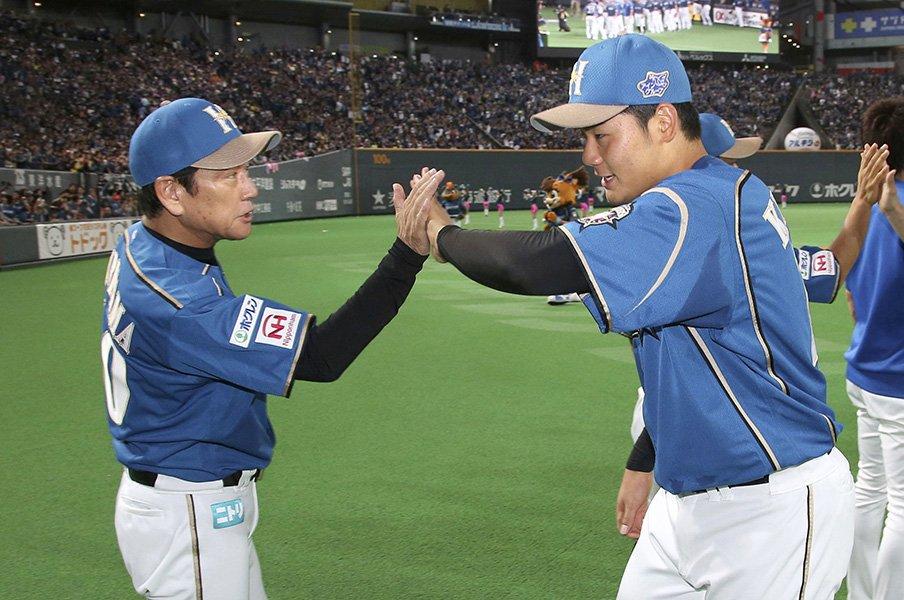 大谷の抜けた日本ハム。~大物選手が抜けた翌年になぜか強くなる不思議なチーム~<Number Web> photograph by Kyodo News