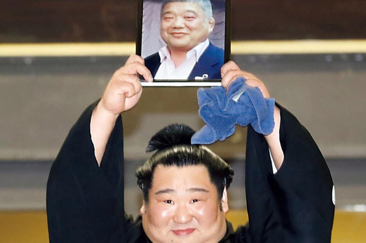 徳 勝龍 優勝 インタビュー
