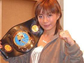 昔コギャル、今格闘家。渡邊久江、23歳。