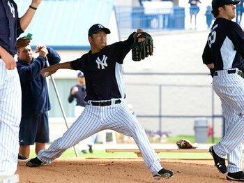 ヤンキースにはバントシフトが無い!?黒田博樹が語る、奇妙な守備意識。<Number Web> photograph by Thomas Anderson/AFLO