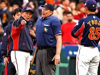 野球に「誤審」は決して存在しない!ビデオ判定に思う、審判の権威とは。<Number Web> photograph by Newscom/AFLO