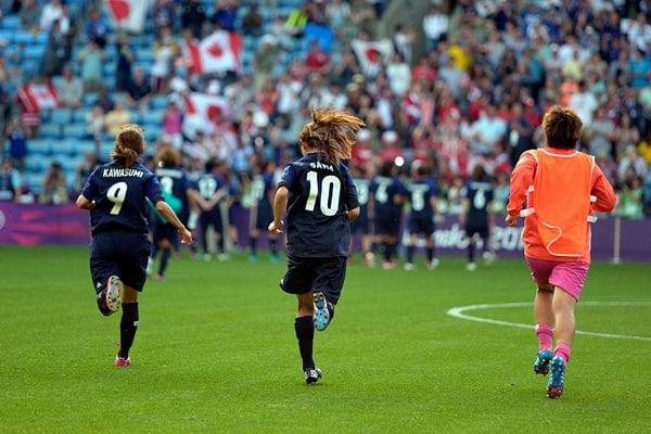殊勲の9番と10番、サポーターの元に。~ロンドン五輪2012~