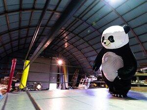 """""""3メートルのパンダ""""に会いたくて!「新根室プロレス」本拠地を訪ねた。"""