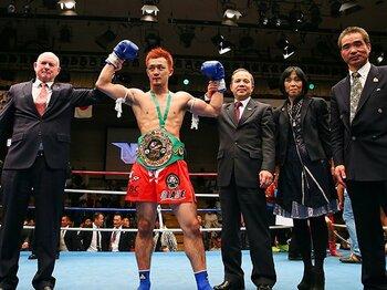 "WBCムエタイ世界王座で快挙達成!""緑のベルト""を日本人が巻く意義。<Number Web> photograph by Susumu Nagao"