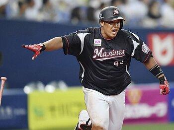 ロッテ井上晴哉が「主砲」に化けた!初球も、追い込まれても打つ男。<Number Web> photograph by Kyodo News