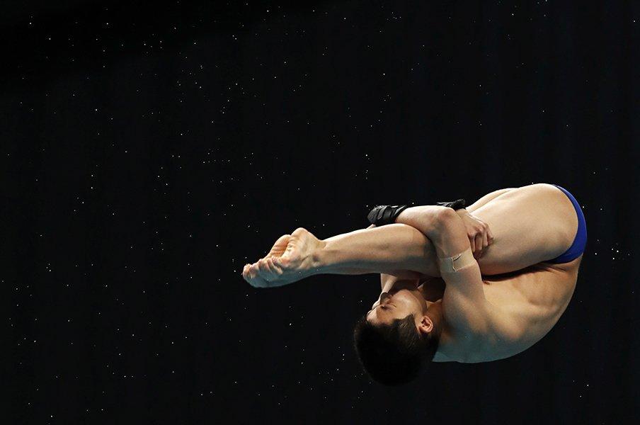 10mの高さだと入水時の衝撃1トン、大ケガや恐怖感はないの…? 飛び込み玉井陸斗14歳が世界で戦えるワケを元五輪選手に聞いた