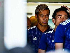 """本田圭佑はW杯で先発すべきか。本人に聞いた""""ズレ""""と守備強度。"""