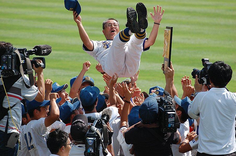 聖光学院が戦後最長13年連続甲子園。「弱いチームが弱さを認めて勝った」<Number Web> photograph by Genki Taguchi