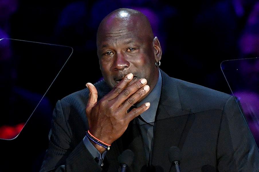 涙が止まらないマイケル・ジョーダン。コービー追悼式で告白した秘密の友情。<Number Web> photograph by Getty Images