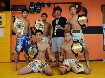 立ち技界最大勢力、チームドラゴン。王者を続々輩出する強さの秘密とは。<Number Web> photograph by Norihiro Hashimoto