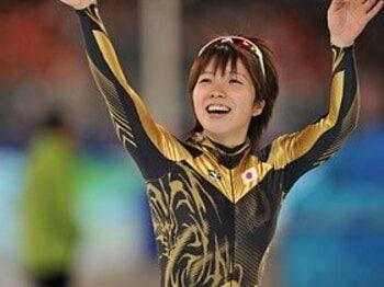 チームパシュートに高まる期待。小平・高木が跳ね返した五輪の重圧。<Number Web> photograph by Naoya Sanuki/JMPA