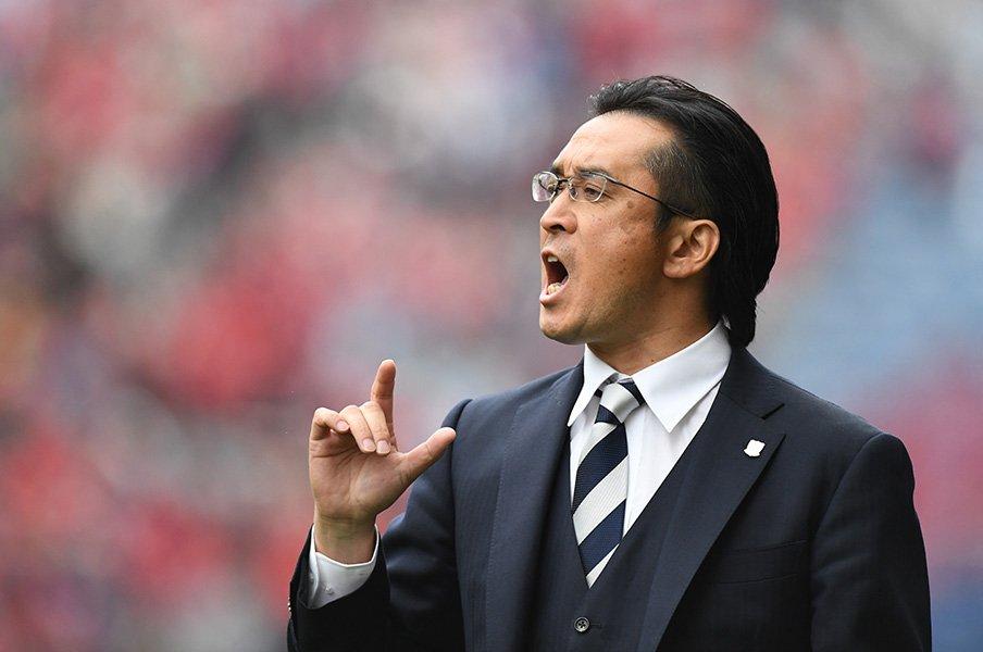 """""""大槻組長""""は岡ちゃんに似ている。浦和を救った暫定監督の素顔と手腕。<Number Web> photograph by Getty Images"""