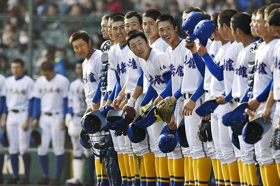 秀岳館の監督は大阪桐蔭に屈さず。「褒めちぎらないとだめですか?」<Number Web> photograph by Kyodo News