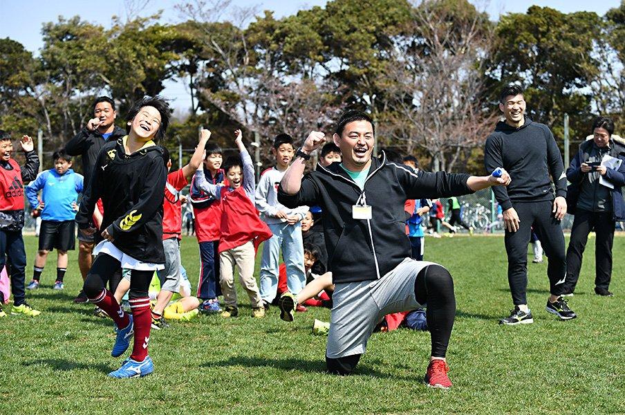 キッズスポーツキャンプin湘南、開催!井上康生と五郎丸歩が伝えたかったこと。<Number Web> photograph by (C)ALL SPORTS COMMUNITY