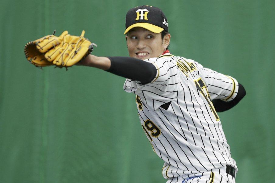 """シーズン全日程消化はほぼ不可能。プロ野球も3週間の""""テレワーク""""を。<Number Web> photograph by KYODO"""