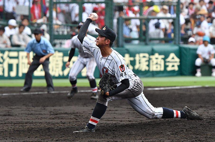 菊池雄星や吉田輝星と同じ、浦和学院・渡辺勇太朗のある動作。<Number Web> photograph by Hideki Sugiyama