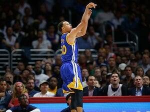 3点シューターのMVP。~NBA史に残るカリーの受賞~
