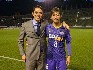 広島・森崎和幸、引退決断の真相。見守り続けた西岡明彦アナとの絆。