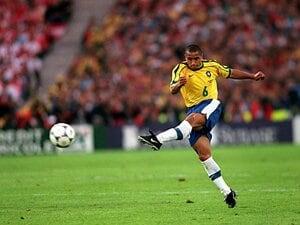ロベカルの超絶FKとブラジル代表。夢の1997年とフランスW杯の失望。