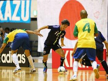 """フットサルW杯に向けて視界は良好!チームメイトが語る、カズの""""初陣""""。<Number Web> photograph by Daiju Kitamura/AFLO SPORT"""