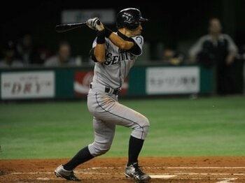 2012年、イチローが日本開幕戦で、一言も肉声を残さなかった深い理由。<Number Web> photograph by Naoya Sanuki