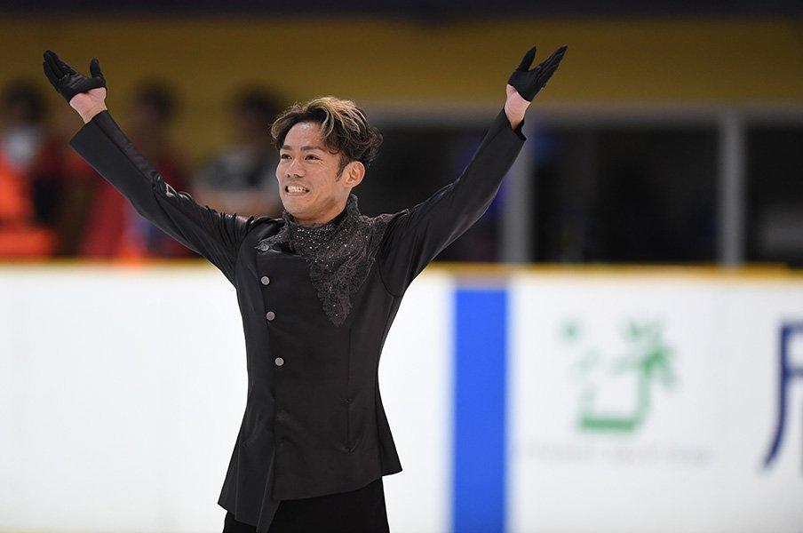 「おかえり! 高橋大輔!」4年ぶりの滑りは幸福感に包まれて。<Number Web> photograph by Asami Enomoto