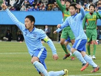 """""""一芸""""と""""街クラブ""""が生んだ躍進!群雄割拠の高校サッカー選手権。<Number Web> photograph by Kyodo News"""