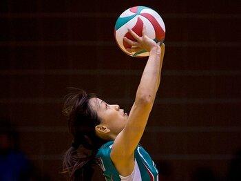 バレーボールの戦術を変える陰の演出家。~ボールはプレーをどう変えるか?~<Number Web> photograph by Michi Ishijima
