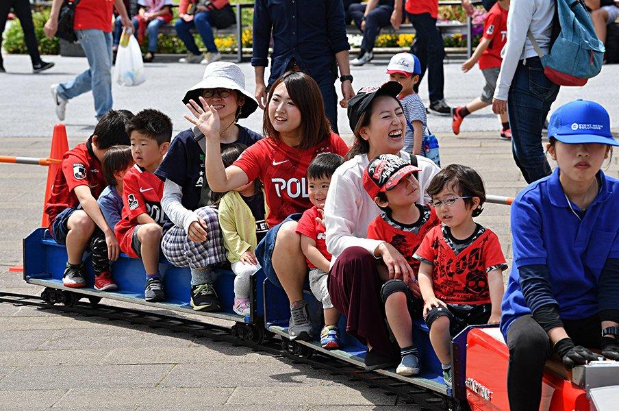 """浦和レッズは""""硬派""""をやめたのか。「観客1万人減」からの新たな挑戦。<Number Web> photograph by URAWA REDS"""