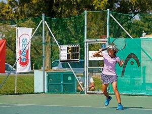 <日本女子テニス強化プロジェクト> 世界を目指す少女たちの熱き戦い。