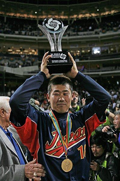 【第1回WBC 表彰式】 MVPに輝いた日本のエース、松坂大輔。