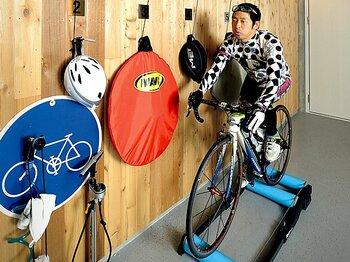 <お笑い芸人は、なぜ体を鍛えるのか?> 団長安田 「自転車好きにだけ通じるギャグができました!」<Number Web> photograph by Asami Enomoto