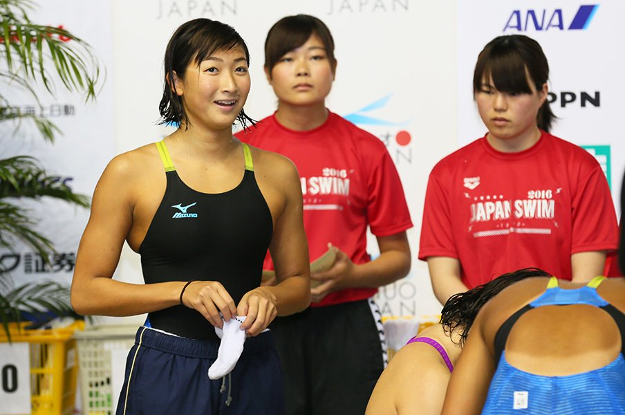 個人競技の水泳で、リレーは特別。15歳・池江璃花子に五輪はどう映る?<Number Web> photograph by AFLO