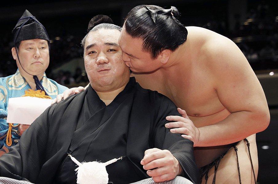 日馬富士が残した最後の言葉。「世界を旅して勉強したい」<Number Web> photograph by Kyodo News