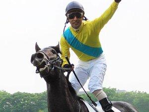 """「オークスとダービー、どちらにしますか?」 桜花賞2着の牝馬ウオッカが""""近代競馬史上初の偉業""""を遂げるまで"""