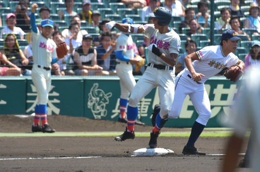 優勝校に負け続ける屈辱を経て……。花咲徳栄、初回の猛攻撃で勝つ!<Number Web> photograph by Hideki Sugiyama