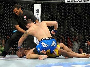 八百長疑惑も飛び出したアンデウソンのUFC敗戦。~最強のブラジル人格闘家に何が?~<Number Web> photograph by AFLO