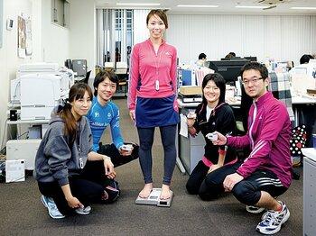 <私とラン> タニタランナーズクラブ 「社員すべてがラン仲間」<Number Web> photograph by Asami Enomoto