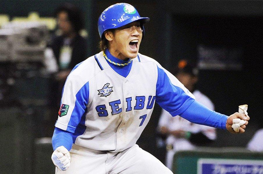 """片岡治大の引退と""""ともあきさん""""。「人見知りのあいつがこれだけ……」<Number Web> photograph by Kyodo News"""