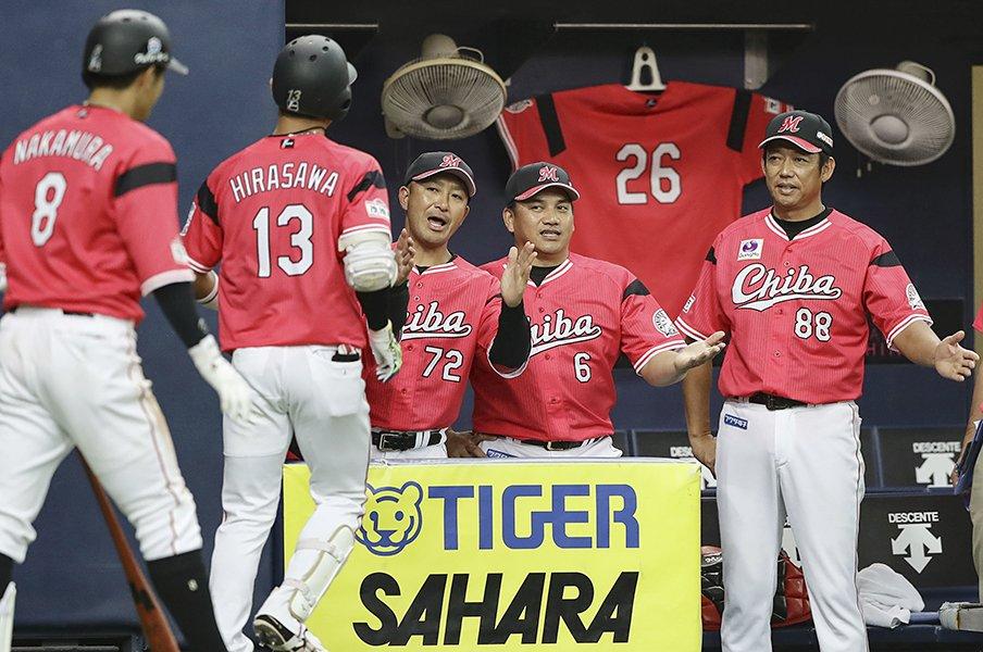 新コーチ陣、期待の若手、ドラ1……。2019年の千葉ロッテはひと味違うぞ!<Number Web> photograph by Kyodo News