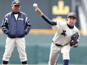「全員野球」が本当に理想なのか。英明・香川監督が貫く「9人野球」。