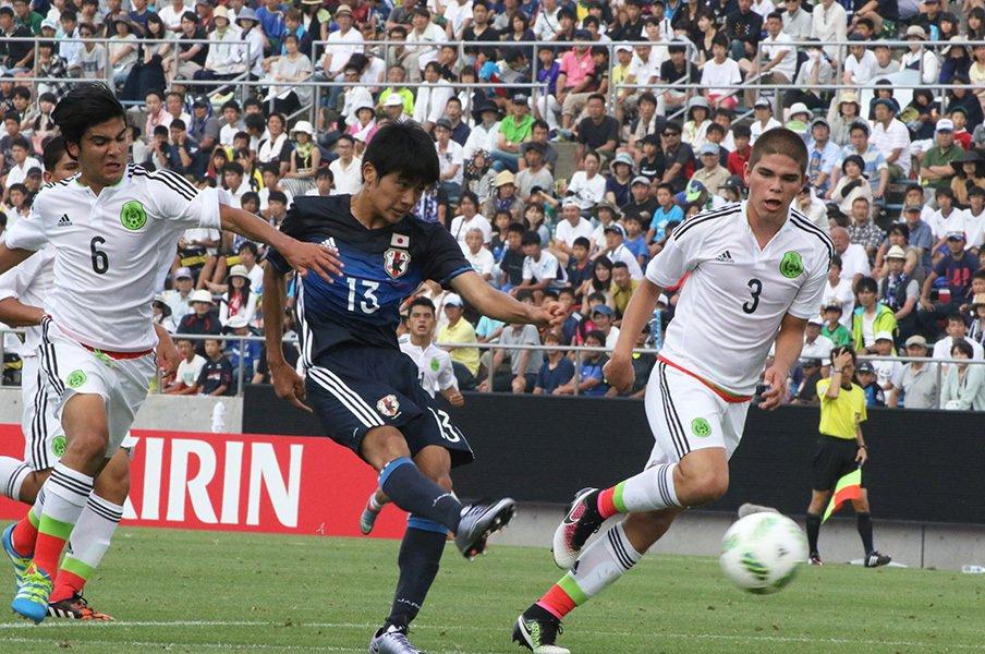 "U-16代表が目指す""長友佑都イズム""。小さくても世界と戦う方法を考える。<Number Web> photograph by Takahito Ando"