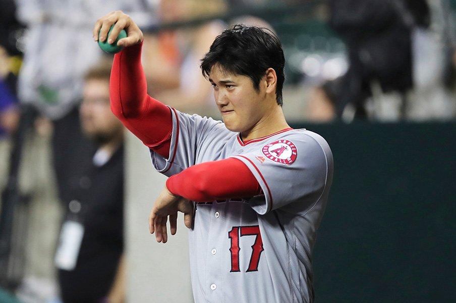 大谷翔平は日々アメリカを学習中!「打たれても打たれなくても経験」<Number Web> photograph by AP/AFLO