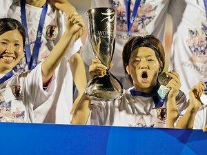 「栄光のメンバー」から若手たちへ。なでしこ、世代融合のアジア杯優勝。