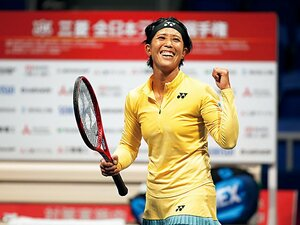 全日本最年長初Vの秋田史帆。成長の原動力と10年前の誓い。~テニス界、30歳の実力者~