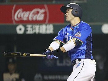 「『やりきった』という感覚がない」西武・外崎修汰が悔しさ募らせる理由。<Number Web> photograph by Kyodo News