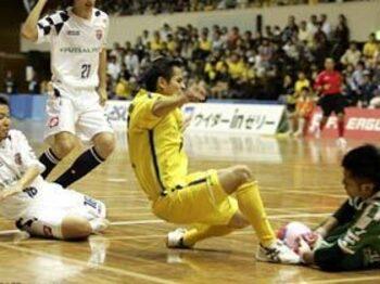 「観る」フットサル、Fリーグの魅力とは。<Number Web> photograph by Tomoki Momozono