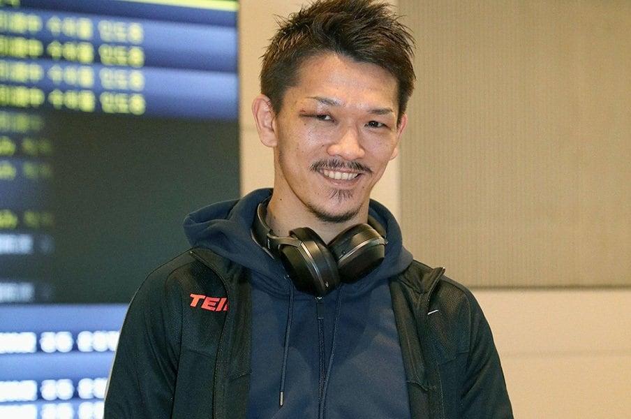 日本人ボクサーが海外で勝つ衝撃。尾川堅一が開いた新しい時代の扉。<Number Web> photograph by Kyodo News