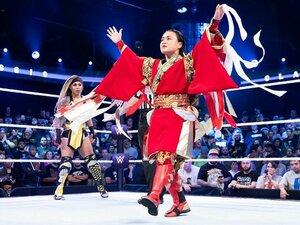"""10年前は""""短いメール""""で拒否…WWEが41歳里村明衣子に異例の熱烈オファー、「覚悟しておけ!」といざ参戦!"""