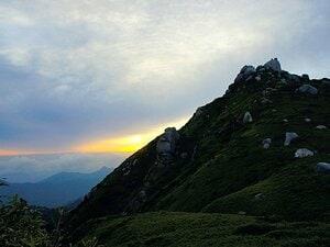 <富士山を10倍楽しむ方法> 神谷有二 「世界遺産を深く知るなら百名山に登るべし」